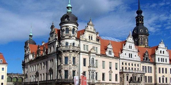 Die Fassade des Residenzschlosses