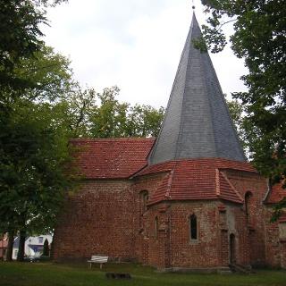 Der Grundriss der Kirche von Ludorf ist achteckig.