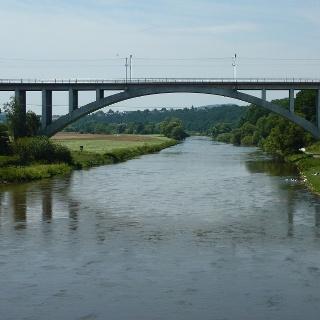 Eisenbahnbrücke über die Fulda bei Guntershausen