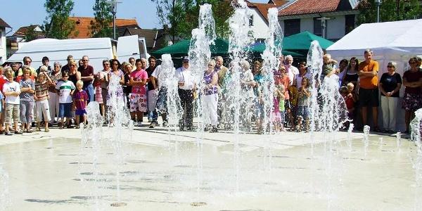 Marktplatz Leopoldshöhe Wasserspiel