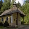 An der Kapelle auf dem Voithenberg biegen wir nach rechts auf den Wanderweg F 9 ab.