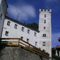 Das Schloss Sattelpeilnstein ist in Privatbesitz, doch auch von außen sehenswert.