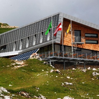 Dobratsch Gipfelhaus (ehem. Ludwig-Walter-Haus)