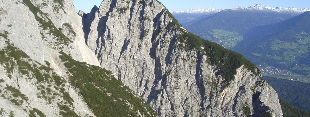 Hüttenspitz und Wechselscharte vom Steig zur Bettelwurfhütte aus gesehen.