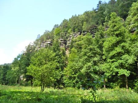 Foto Vom Flößersteig haben wir herrliche Aussichten auf Sandsteinfelsen