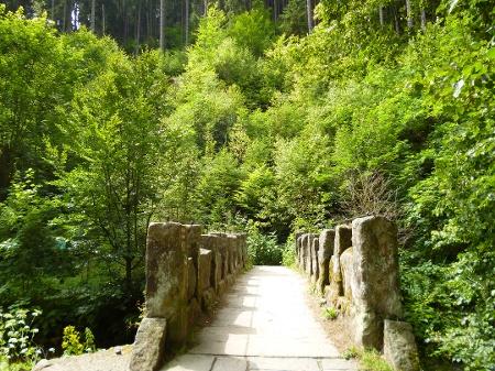 Foto An dieser Brücke beginnen viele Wanderwege
