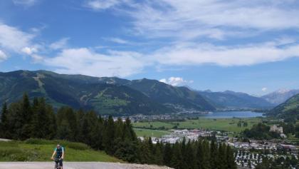 Der erste Seeblick am Beginn der Auffahrt zum Brucker Berg