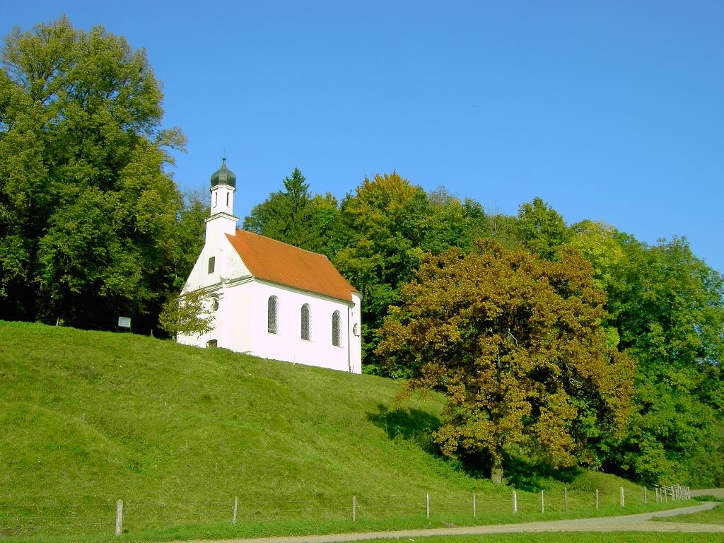 Lorenzberg mit Lorenzkirche in Epfach (Gemeinde Epfach)