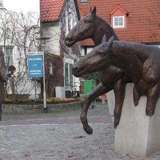 Halle Westfalen, Denkmal