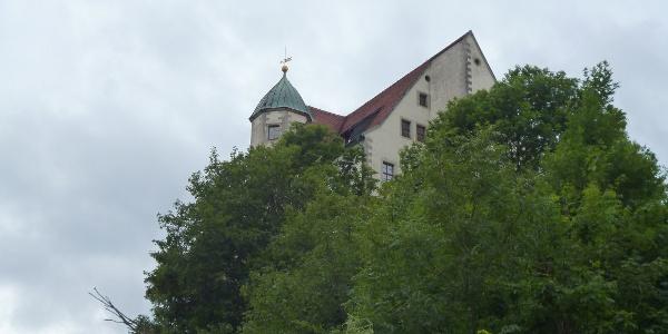 Die Türme der Burg Hohnstein sind von Weitem erkennbar
