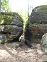 Foto Schmale Gänge zwischen den Felsen