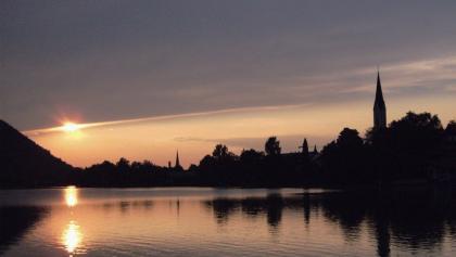 Ein stimmungsvoller abendlicher Blick auf Schliersee.