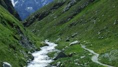 Trail vom Septimerpass ins Tal.