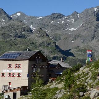 Von außen schmucklos, aber innen liebenswert und freundlich bewirtschaftet: die Kasseler Hütte.