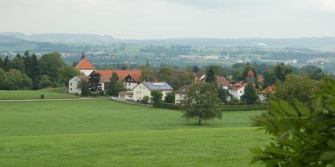 Blick über Heiligkreuz und Kempten.