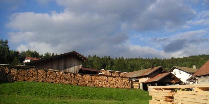 Am Ortseingang von Sommerau steht ein kleines Sägewerk.