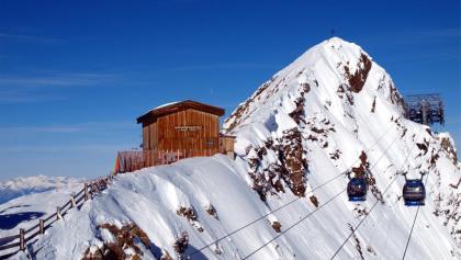 Gefrorene Wandgratbahn-Hütte 3250m.