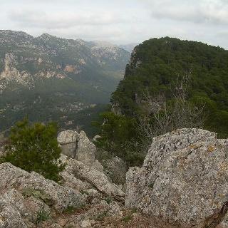 Blick vom Penyal d' Honor ins Tal.