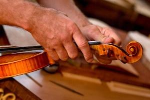 Traditioneller Geigenbau