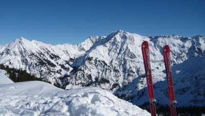 Aussicht vom Schnippenkopf auf den Großen Daumen im Winter
