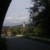 Von der Brücke an der Rinchnacher Ohe bietet sich ein schöner Blick auf den Start- und Zielpunkt unserer Rundtour.