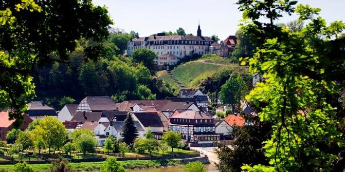 Abtei vom heiligen Kreuz Beverungen-Herstelle • Kloster ...