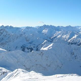 Wir genießen die beeindruckende Welt der Allgäuer Berge am Nebelhorn.