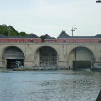 Blick auf die untere Einfahrt zur Hindenburgschleuse in Hannover-Anderten