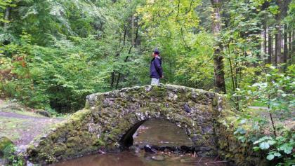 Auf einer Brücke am Roche à l'Appel