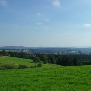 Blick auf den Matthias-Schmidt-Berg und den Glockenberg in St. Andreasberg.