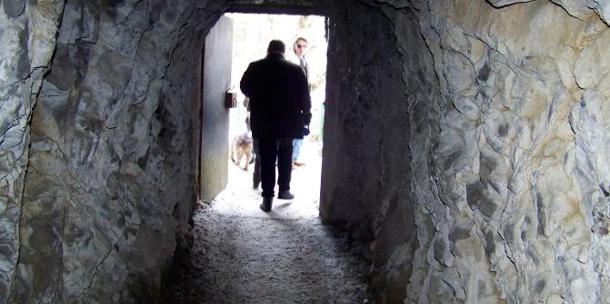 Tunnel am unteren Ende der Klamm.