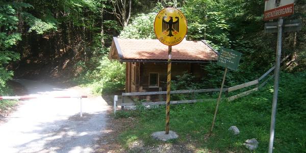 Wir passieren den Grenzübergang nach Deutschland.