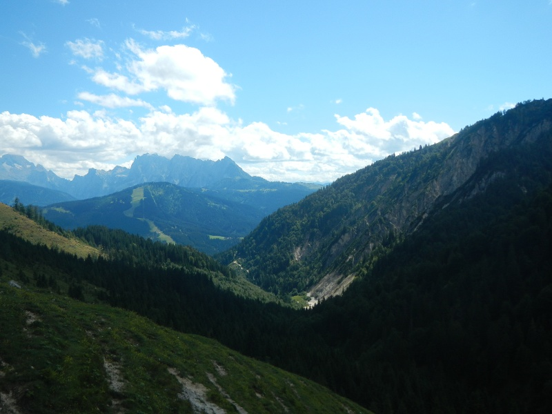 Herrliche Aussicht auf die umliegenden Berge bei der Rinnbergalm