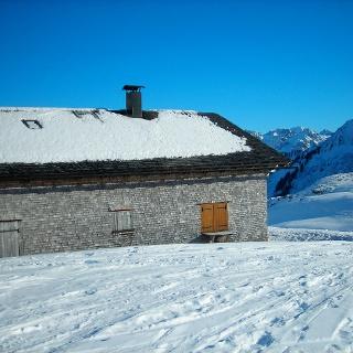 Die Alpe Ifersgunt im Winter.