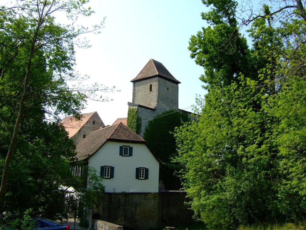 ...liegt Schloss Tierberg   - @ Autor: Heinz Obinger  - © Quelle: Hohenlohe + Schwäbisch Hall Tourismus e.V.