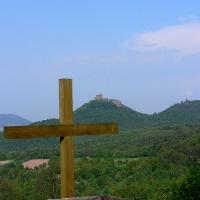 Oberhalb der Naturbegräbnisstätte Trifelsruhe liegt dieser herrliche Aussichtspunkt.