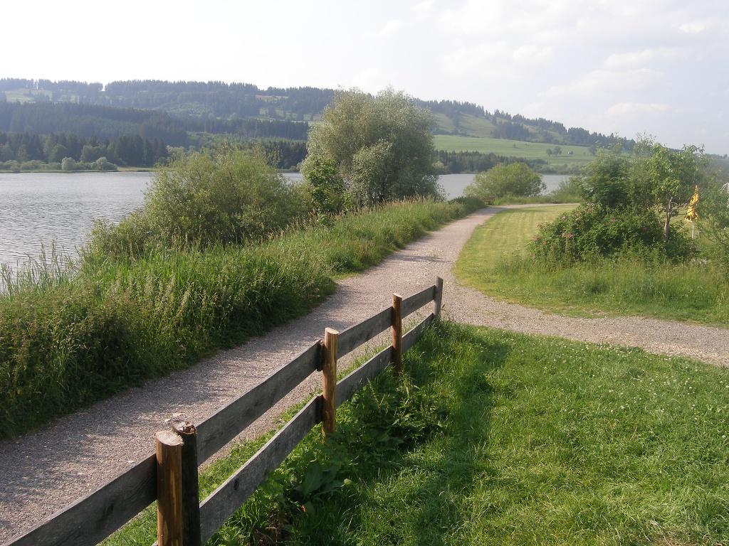 """Unser Rundweg passiert den Campingplatz """"Grüntensee"""".    - © Quelle: Outdooractive Redaktion"""