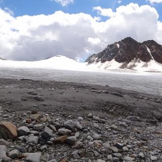 Blick Richtung Annakogel und Mitterkamm kurz vor betreten des Gurgler Ferners