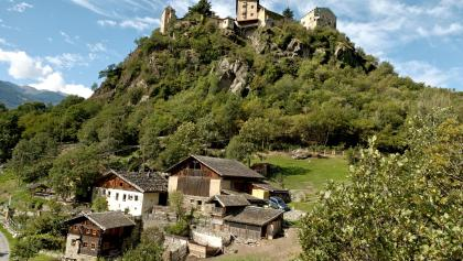 Oberortl und Schloss Juval.