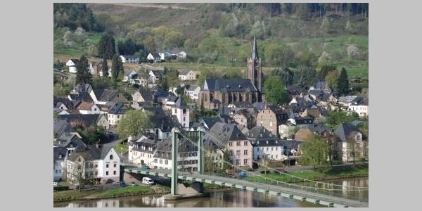 Moselbrücke in Bernkastel-Wehlen
