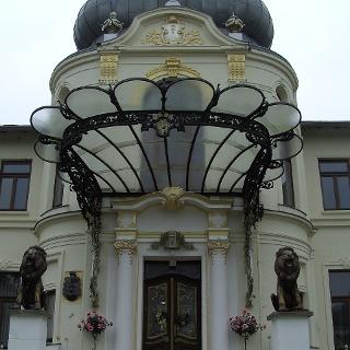 Das prachtvolle, neobarocke Schloss Blücherhof.
