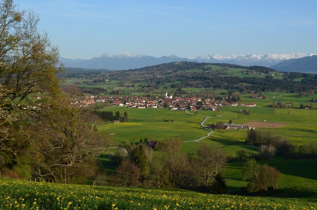 Blick auf Böbing (Gemeinde Böbing)