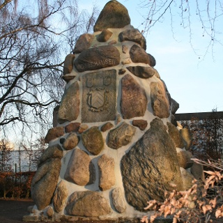 Denkmalfindlingspyramide