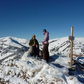 Rast am Gipfel des Heidenkopfs im Winter