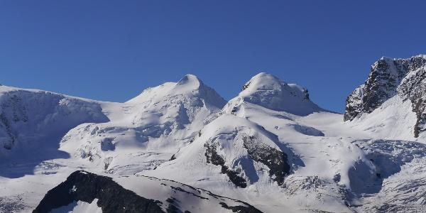 Castor links (4.228 m) und Pollux (4.092 m) rechts