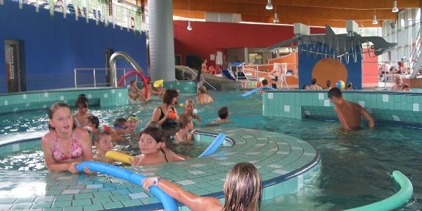 Im Erlebnisbad AquaRiese sind die kleinen Wanderer auch nach der Tour gut aufgehoben.