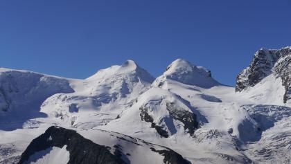 Castor links (4.228 m) und Pollux rechts (4.092 m)