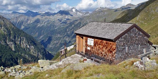 die einsam gelegene Celler Hütte