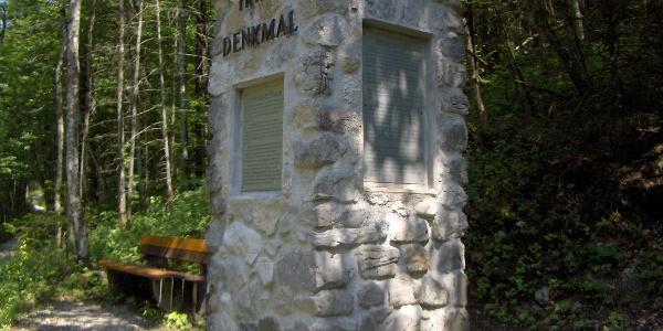 Das Triftdenkmal.