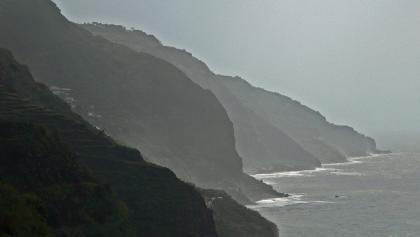 Felsenküste bei Calheta